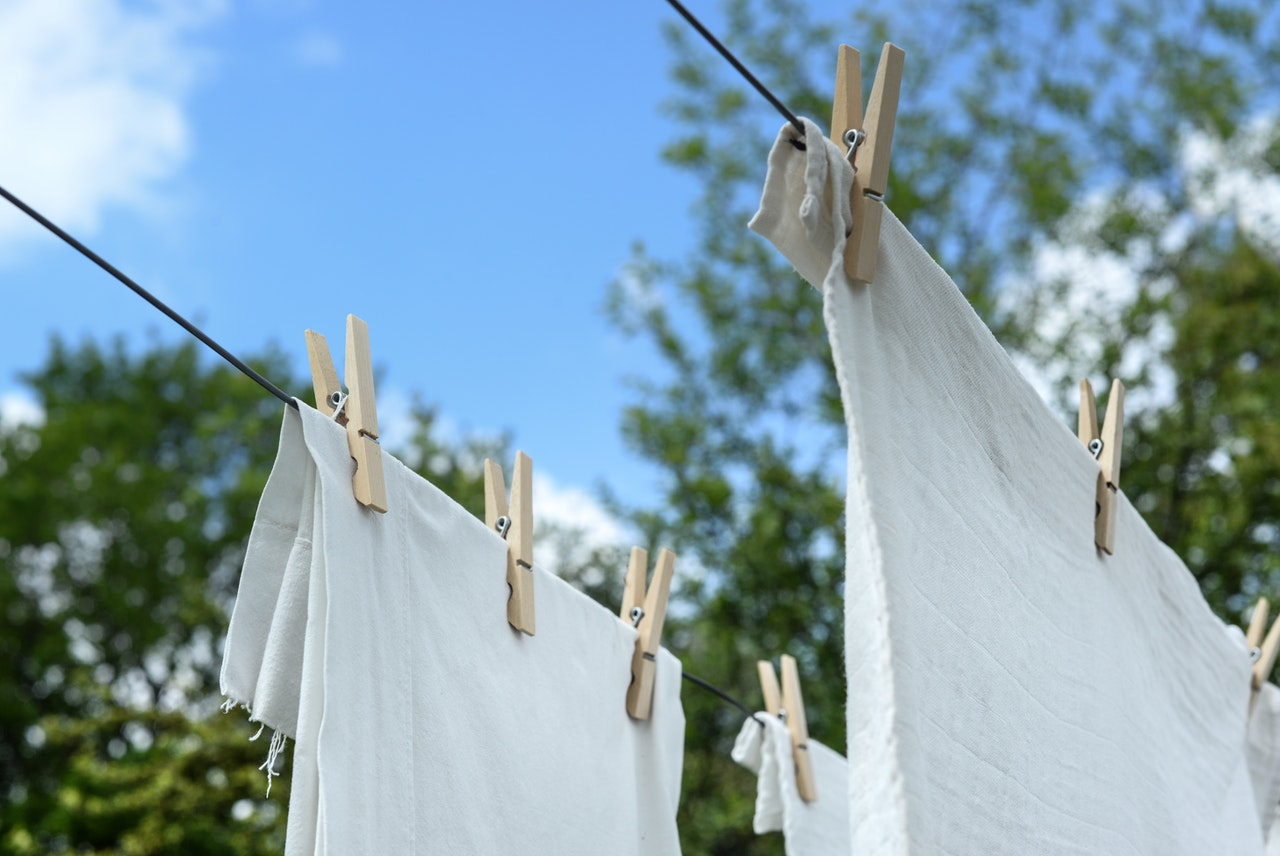 Clean washing line rope